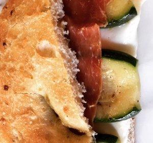 Groene Olijvenbrood met Uisnippers