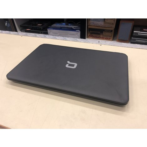 HP Compaq F5D75EA 15,6'' Laptop incl. Lader (AMD 500GB 8GB)