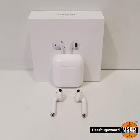 Airpods 2 With Wireless Charging Case in Nette Staat