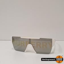 Burberry BE4291 Unisex Zonnebril in Redelijke Staat