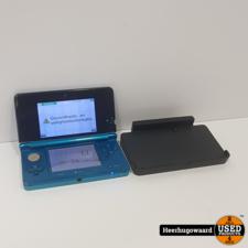 Nintendo 3DS Blauw in Goede Staat met Docking Station en Lader