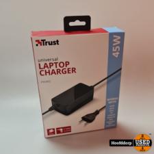 Trust Universal Laptop Charger nieuw in doos 45W