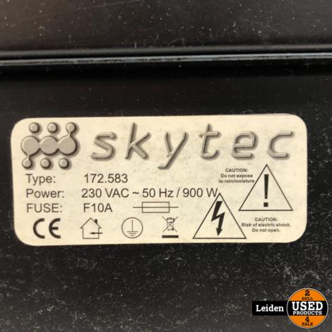 Skytec 172.583 12-Kanaals Mixer met ingebouwde versterker