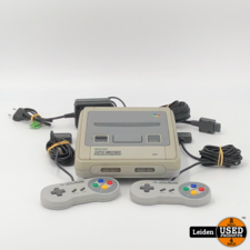 Nintendo Super Nintendo (SNES)