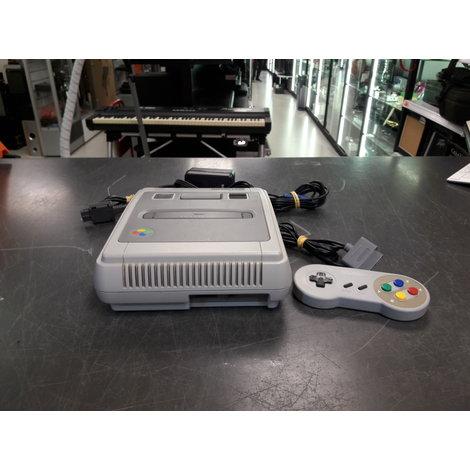 Super Nintendo, compleet met 2 controllers en in goede staat!
