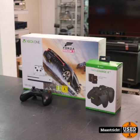Xbox One 500 GB in doos nieuwstaat + charging dock! | Elders 199.- Euro