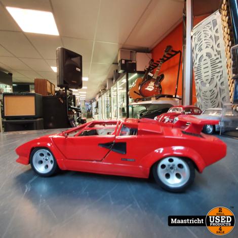 Lamborghini Countach, rood | modelauto 1:18  in prima staat (zonder doos)