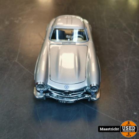 Mercedes-Benz 300 SL 1954 1:18 Bburago 3013