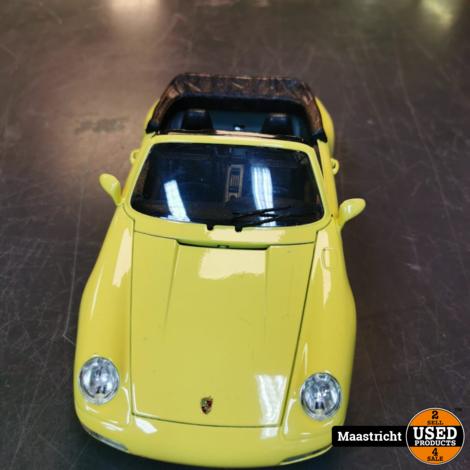 Porsche 911 Carrera Cabriolet 1994 - 1:18 - Bburago Geel