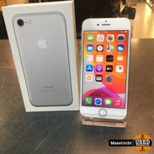 Apple iPhone 7, silver, 32 GB in NIEUWstaat, accu 92%