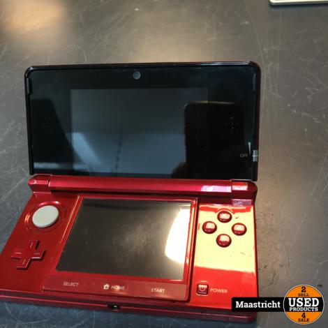 Nintendo 3DS, rood, in redelijke staat, met oplader