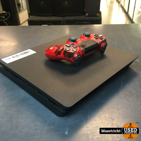 Playstation 4 slim, 1Tb versie, zwart en in prima staat