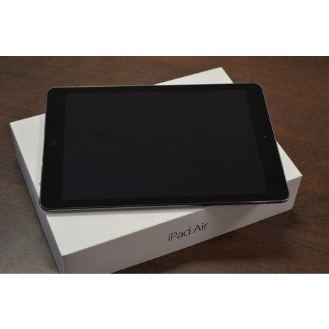 ZGAN IN DOOS: Apple iPad Air 16GB WIFI incl. oplader/doos