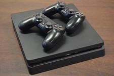 Sony Playstation Playstation 4 Slim 500GB Black incl. 2 controllers en kabels - geen doos of games