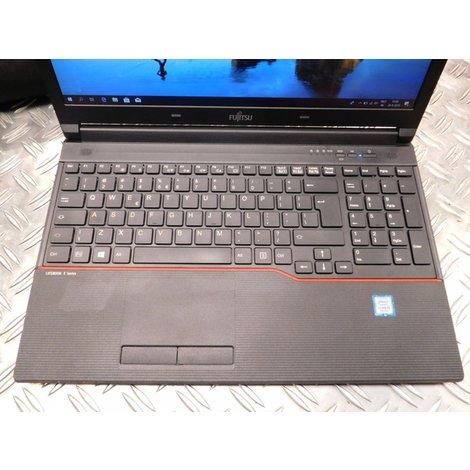 Fujitsu Lifebook E557 | inclusief tas