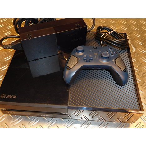 Xbox One 500GB | Met Patrol Tech Special Edition Wireless Controller