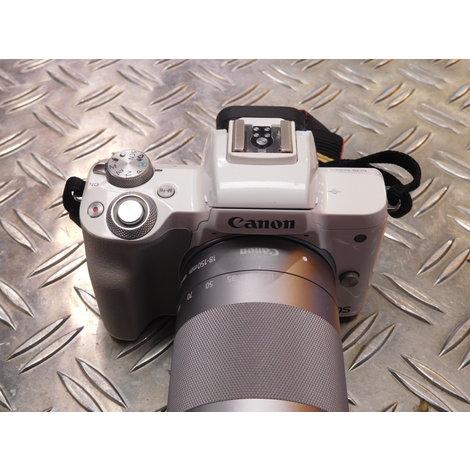 Canon EOS M50 - 18-150mm lens