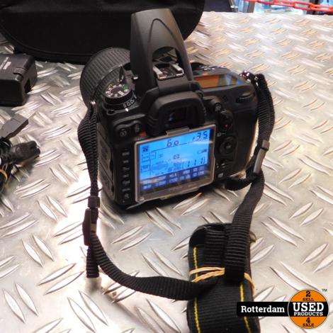Nikon D7000 + 18-105mm