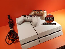 Playstation 4 500GB + 2 Controllers