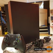 Xbox One X 1TB met controller // Topstaat
