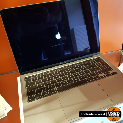 Macbook Air M1 / 2020 / 13.3 / 8GB / 256GB/ Batt. Count 67