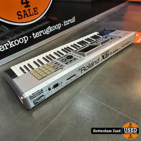 Roland Fantom X6 Keyboard
