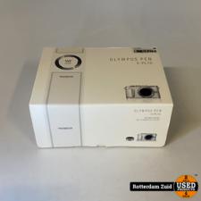 Olympus Pen E-PL10 Systeemcamera + 14-42mm lens    Nieuw in doos   