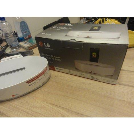 LG ND2531 Speaker dockingstation met Bluetooth en micro usb aansluiting in doos met adapter en afstandsbediening!