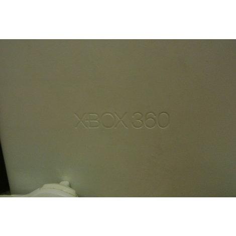 xbox 360 met controller, voeding en kabels.