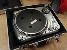 Dap audio T4000 platenspeler in flightcase met element en naald
