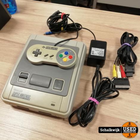 Super Nintendo NES in prima staat met controller en kabels