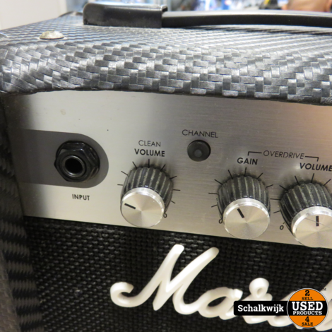 Marshall MG10CF gitaarversterker in nette staat