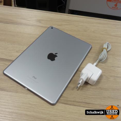 Apple iPad 6th gen 32gb space Grey in nette staat