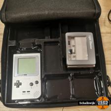 nintendo Nintendo Game Boy grijs met vergrootglas in bescherm tas