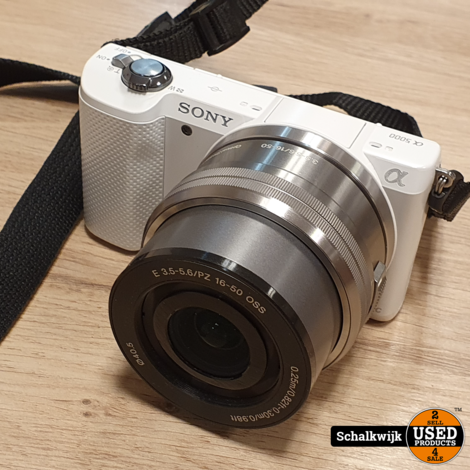 Sony Alpha 5000 camera + 16-50mm lens in zeer nette staat in doos