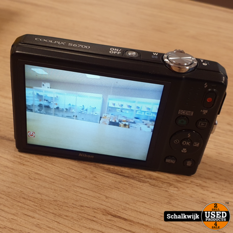Nikon Coolpix S6700 20.1 megapixel camera in doos