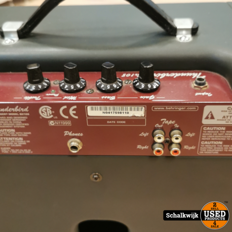Behringer Thunderbird BX108 Bas versterker in nette staat