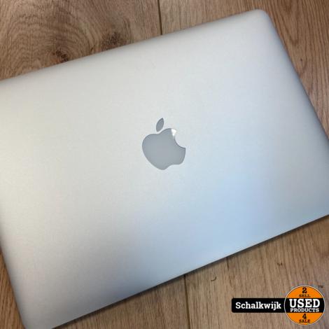 Macbook pro 2015 I5 2.7 ghz 8 gb 128 ssd