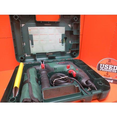 BOSCH Universal impact 700 Watt klopboormachine