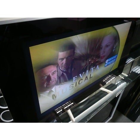 B&O Beovision 7-32  design tv met dvd, zonder standaard, met afst. bediening
