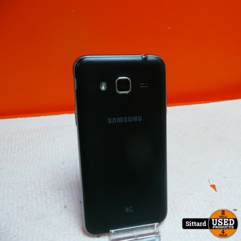 Samsung Galaxy J3 Pro + lader