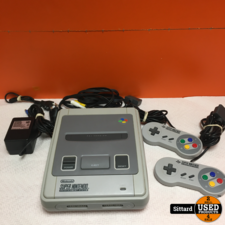 SNES Super Nintendo console in TOPSTAAT, incl. lader en 2 controllers