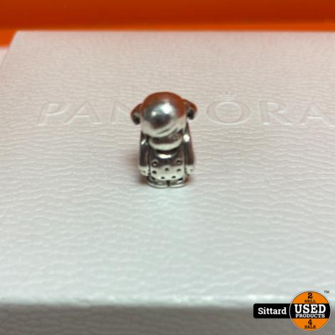 Pandora Moments Snake Chain Armband + 3 bedels (zie foto's)