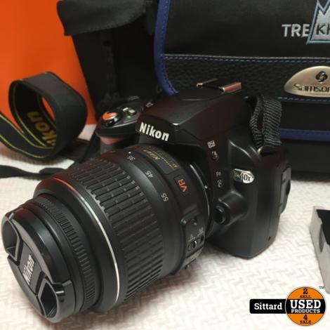NIKON D40x digitale camera 10,2 Mp met kitlens, extra accu en fototas