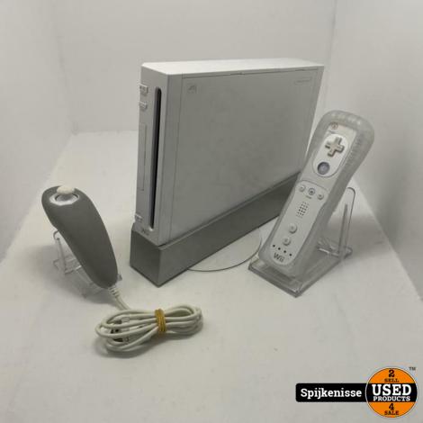 Nintendo Wii + Controller & Nunchuck *805018*