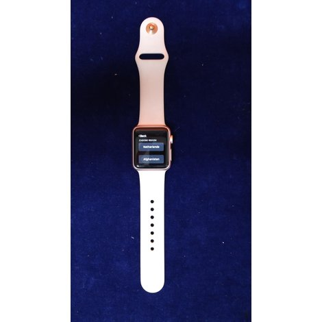 Apple Iwatch 1e generatie in doosje.