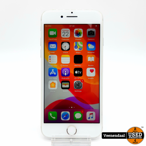 Apple iPhone 8 256GB Silver Accu 83% - In Nette Staat