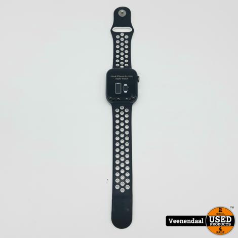 Apple Watch Series 4 4mm - Incl Bon - In Nette Staat