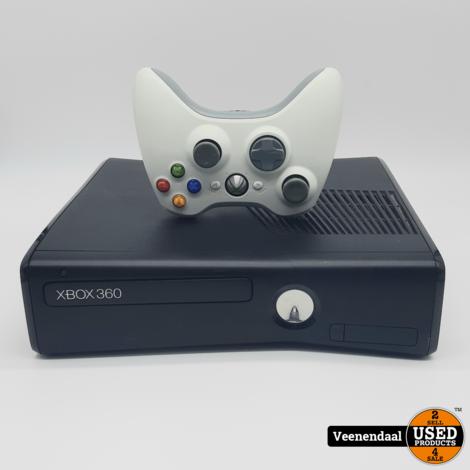 Xbox 360 4GB Slim Zwart - In Goede Staat