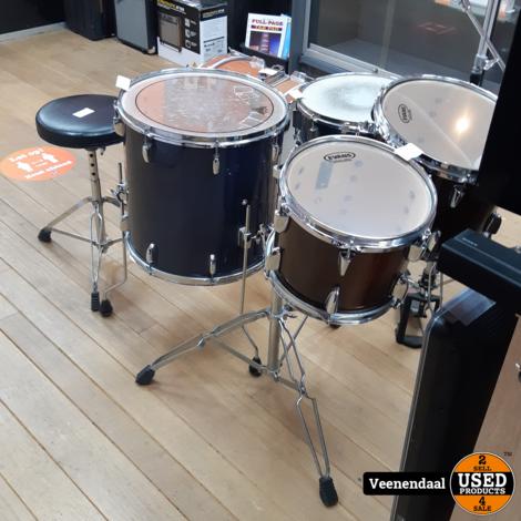 Drumstel Inclusief Floorstands + Snaredrum + Bassdrum - In Goede Staat